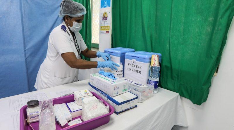 India vacuna a 1.4 millones de trabajadores de salud contra COVID-19 en primera semana de campaña